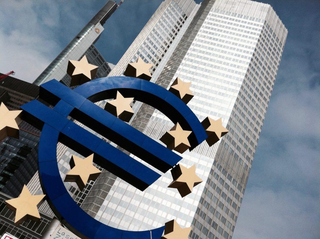 deutschland-frankfurt-euro-bank